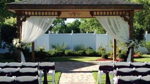 Vintage Gazebo outdoor wedding site in Houston Texas