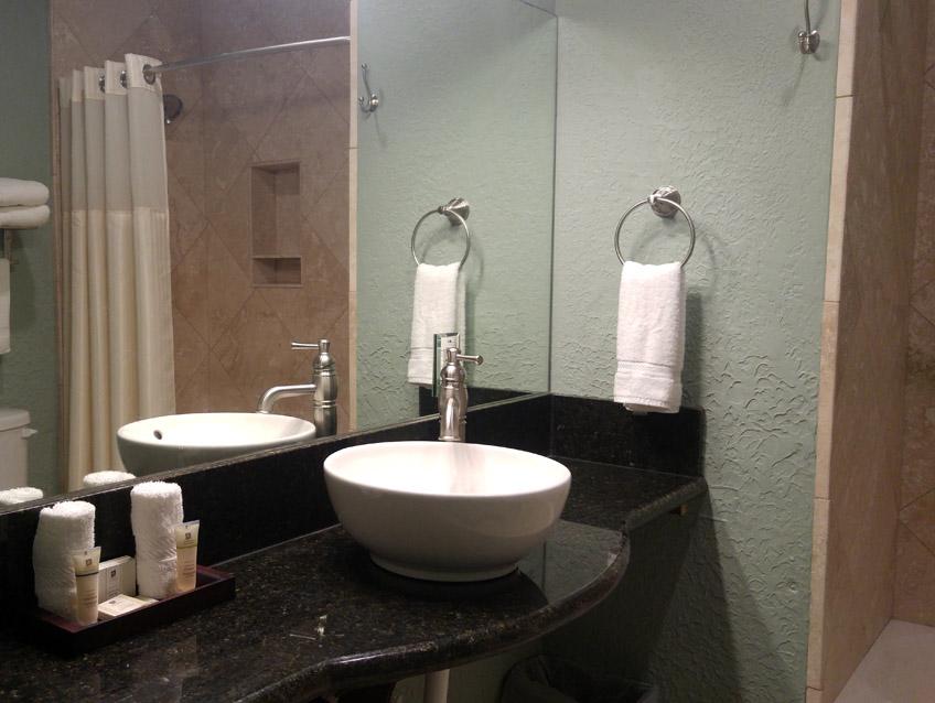 Elmarae Spa Bathroom