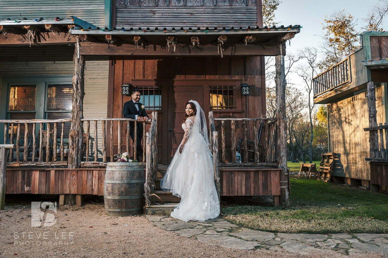 bride and groom bridal portraits