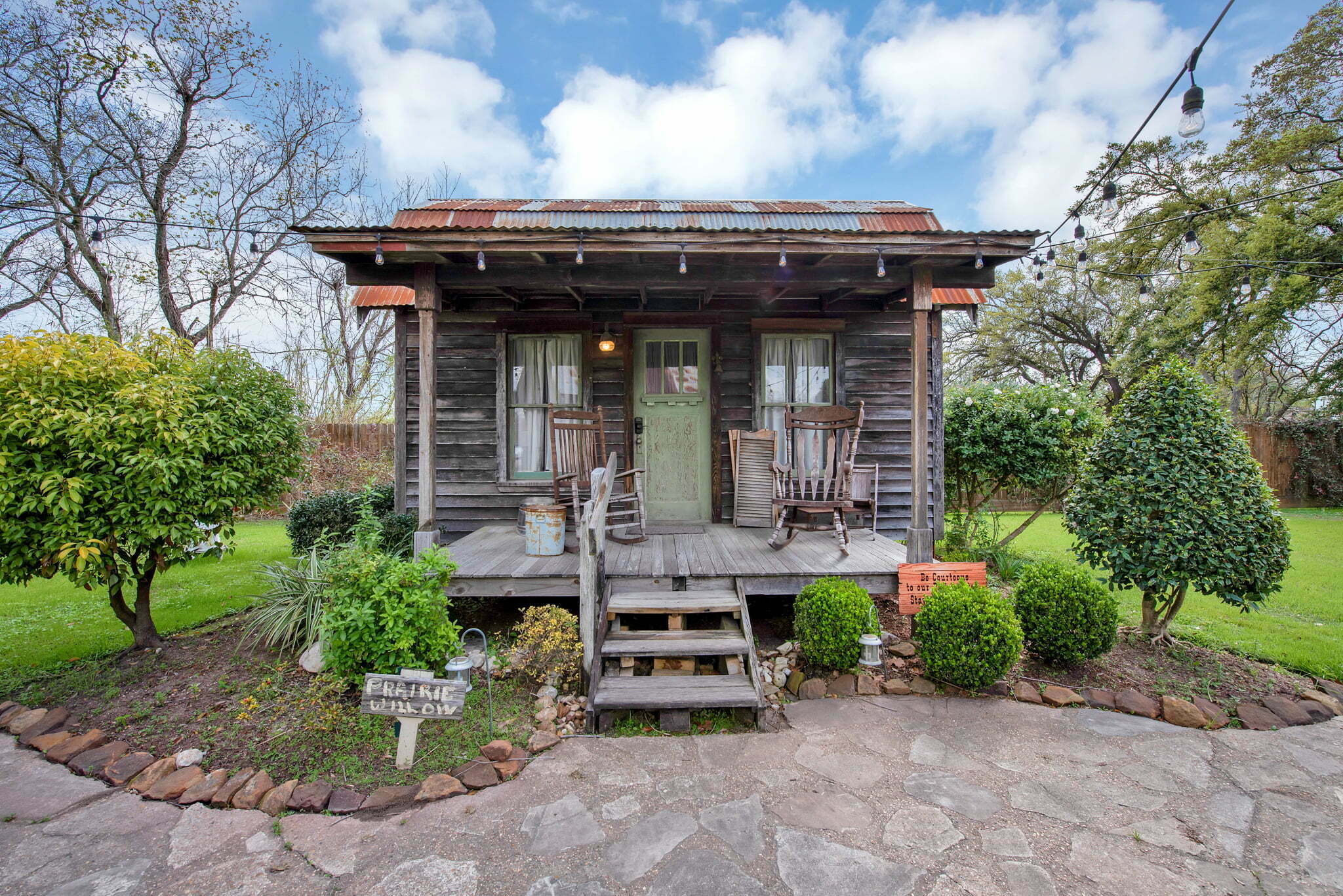 prairie willow bed and breakfast in houston