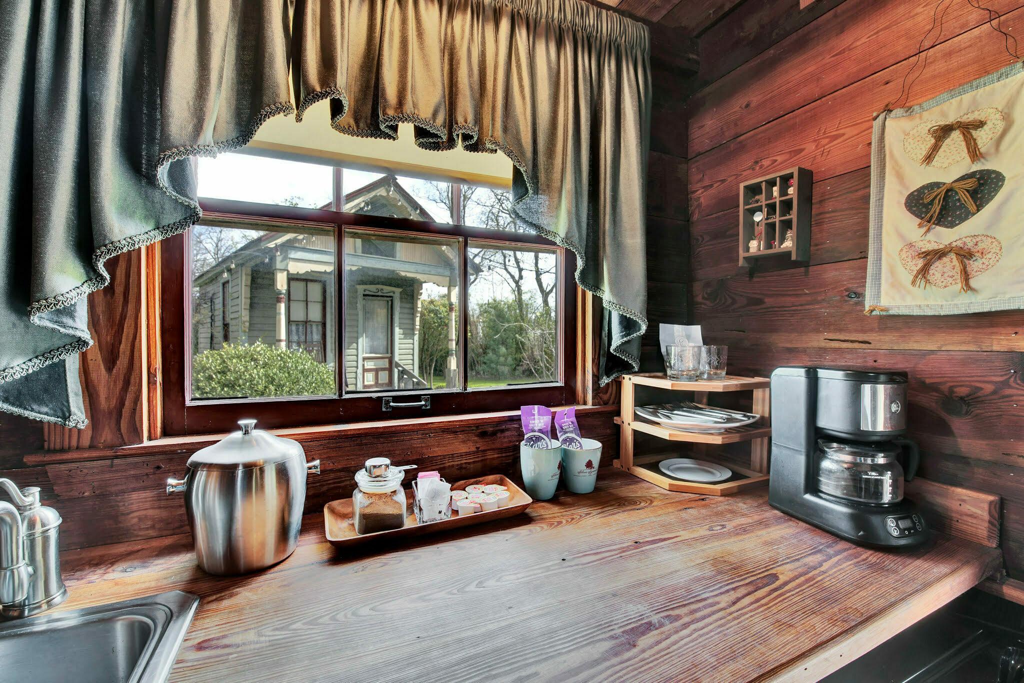 kitchenette area at rustics oaks