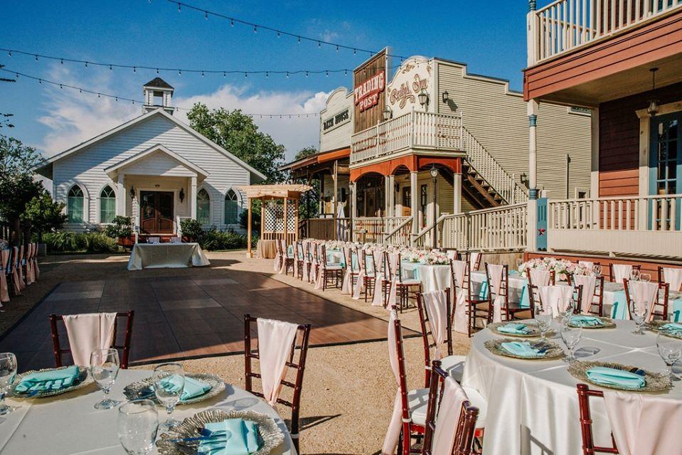 rustic outdoor wedding venue in houston silver sycamore