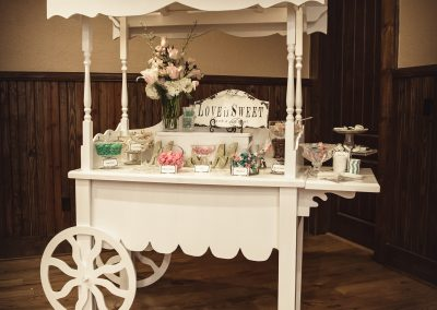 candy table wedding decor